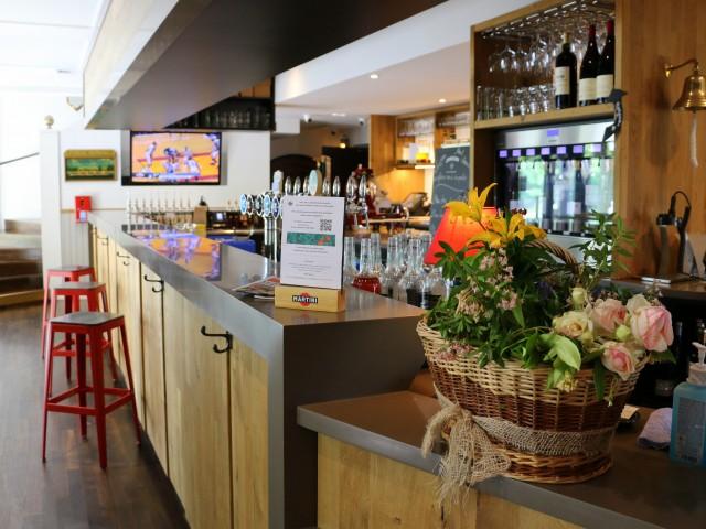 LA BELLE EQUIPE 1877 - Bar & Restaurant Le bar